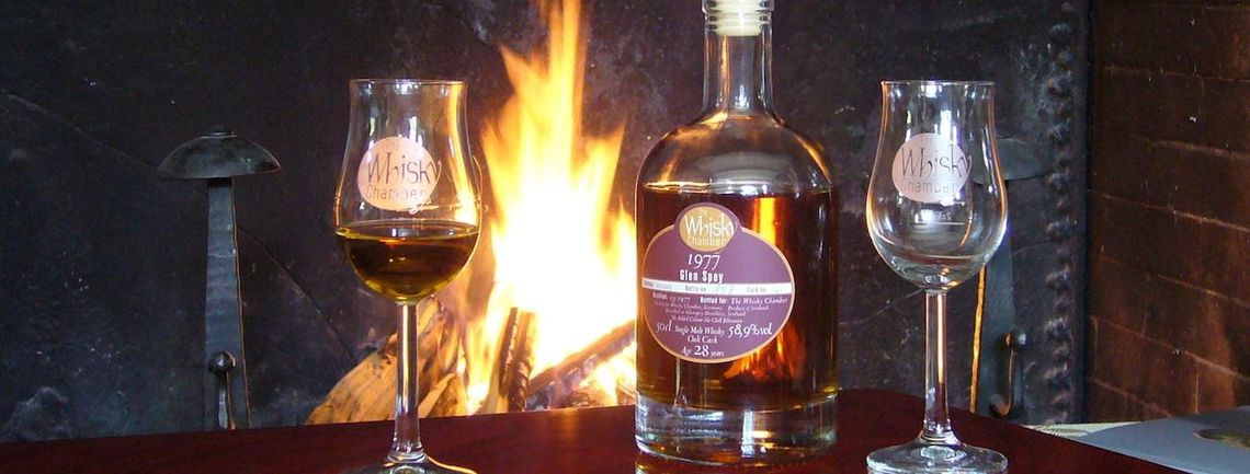 TWC Whisky am Kamin geniessen